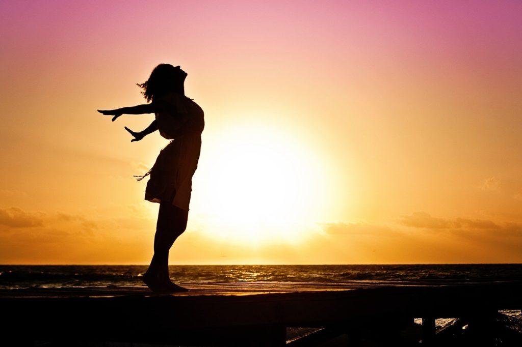 Découvrez qu'est-ce que l'accomplissement de soi, les 5 principaux freins et des outils simples à mettre en pratique dans votre vie dès aujourd'hui.